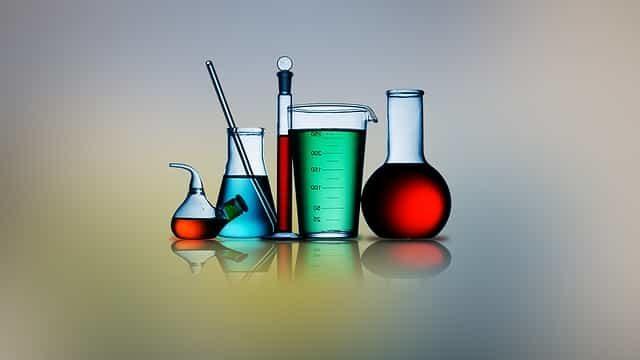研究職が仕事で使用している実験器具