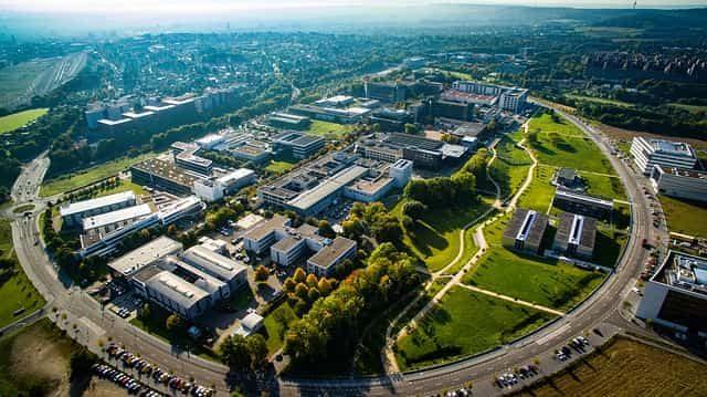 企業の研究所を表す写真
