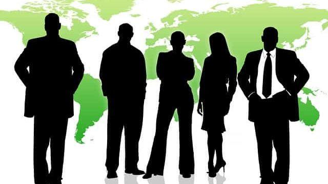 TOEICで高いスコアを獲得して海外で活躍する人々