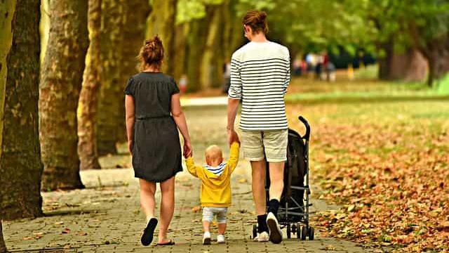 家族の幸せを表している写真